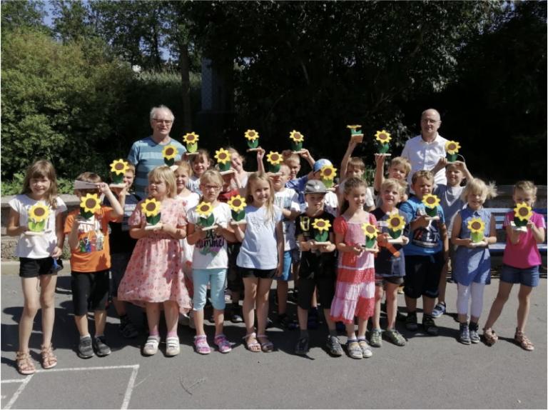 """""""Der Sonne entgegen"""" – Solarprojekt in der Grundschule Schwärzdorf"""